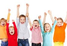 صورة ملابس تجعل طفلك أكثر تركيزاً ومرونة أثناء تواجده فى المدرسة