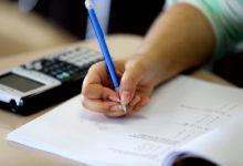 صورة وزير التعليم يكشف الموعد النهائى لتفعيل شرائح التابلت الخاصة بطلبة أولى ثانوى