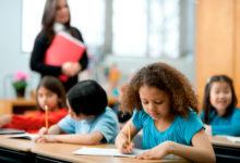 صورة محافظ الفيوم يعلن ترقية 5464 معلما من أعضاء هيئة التدريس