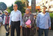 صورة وكيل الوزارة يتابع عملية صرف الكتب المدرسية ببورسعيد