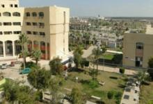 صورة رئيس جامعة دمياط يتفقد إجراءات الكشف الطبي على الطلاب الجدد