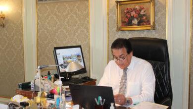 صورة وزير التعليم العالي يهنئ الرئيس والقوات المسلحة بنصر أكتوبر